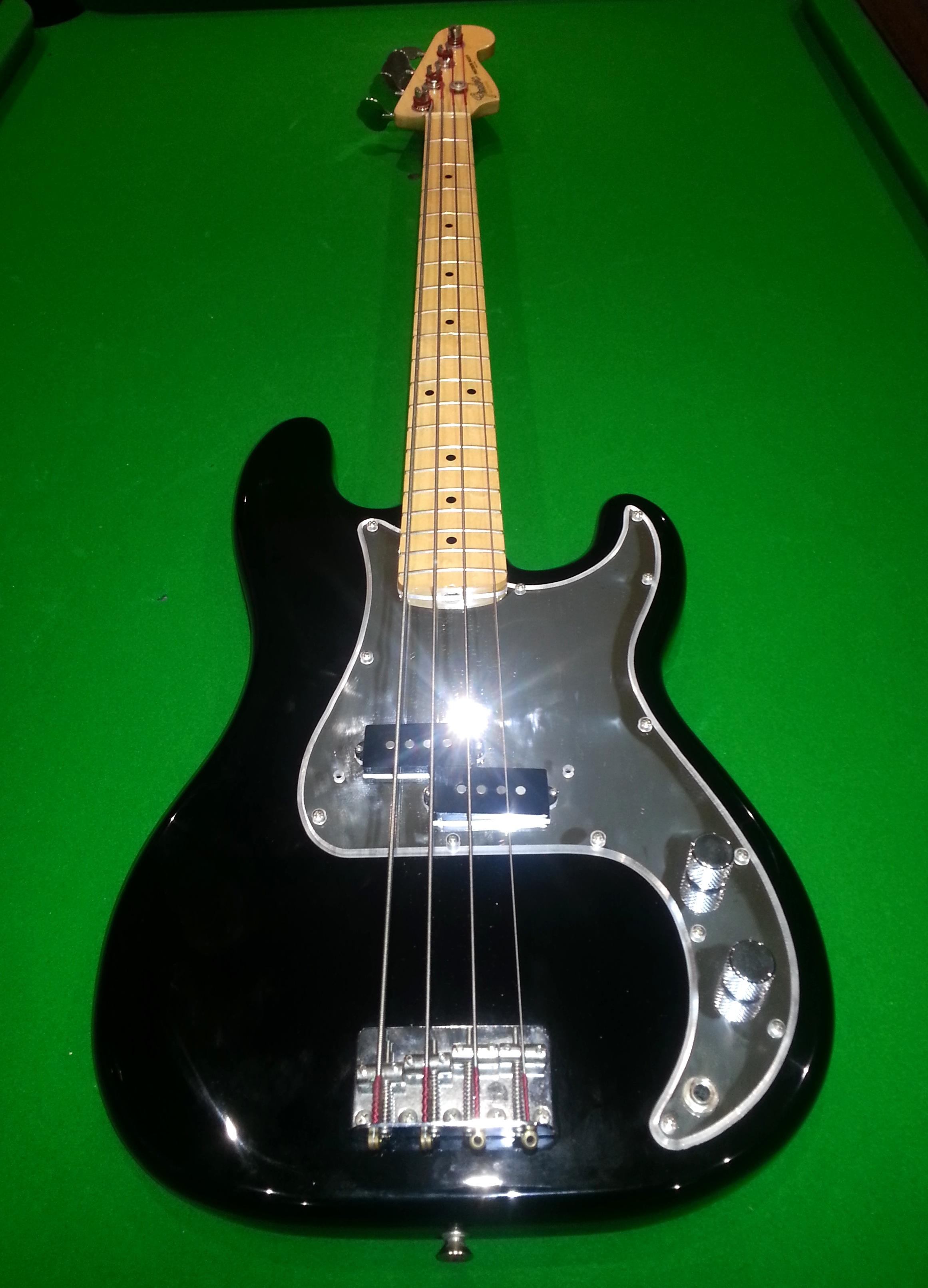 phil lynott bass